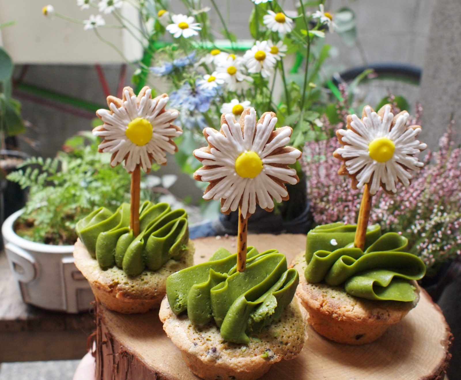 swEATworkshop -flower sweets -